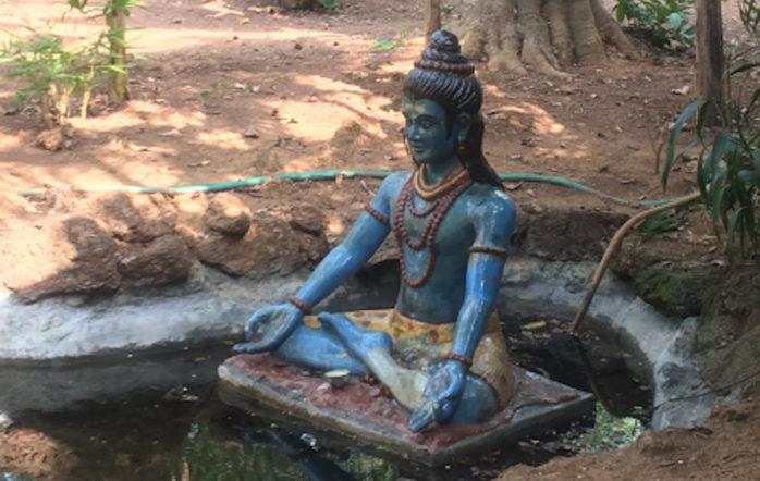 En ce temps de « vacance » de Toussaint, je laisse la parole à une élève qui a été particulièrement touchée par la rencontre avec le yoga à Yoga Shala. C'est bien le genre de retour qui donne tout son sens à l'enseignement. Namaste mille fois, C. :
