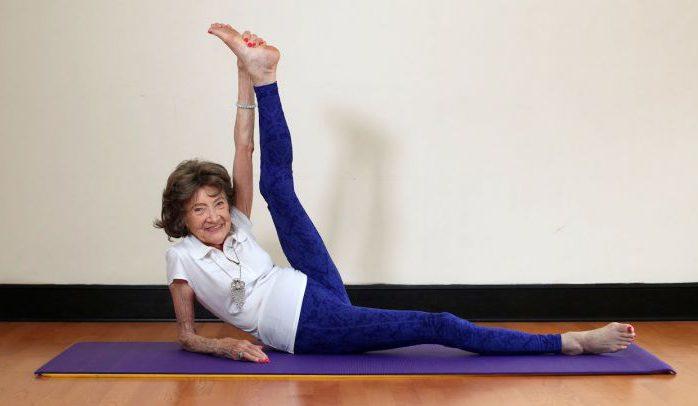 Le terme « prof de yoga » regroupe un ensemble d'individus exerçant leur activité de manière extrêmement hétérogène. Si hétérogène que parfois, leurs vies professionnelles n'ont vraiment rien de similaire les unes avec les autres.